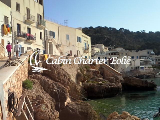 Isole Egadi - Levanzo - Cabin Charter Eolie - Catamarano - Imbarco Cabina 640