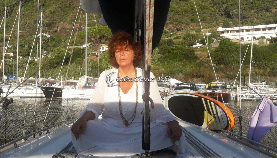 Vela Yoga Sail - Manuela Calabrese - Cabin Charter Eolie - Salina