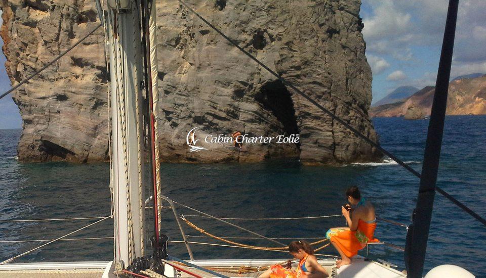 Catamarano - Imbarco Individuale - Cabin Charter Eolie - Sicilia - Italy