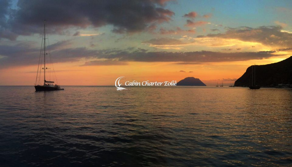 Filicudi - Barca a Vela - Individuale - Tramonto - Isole - Cabin Charter Eolie
