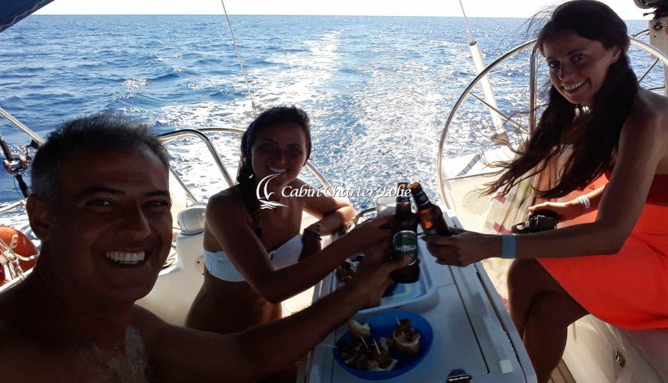 Imbarco per Coppia - Amici – Bambini - Cabin Charter Eolie - Vacanza in Barca a Vela - Sicilia - Italy