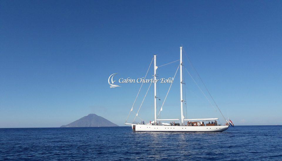Stromboli - Vacanza in barca a vela - Single Holidays - Cabin Charter Eolie