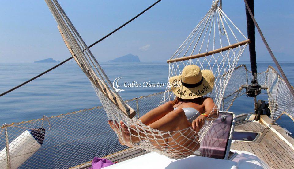 Amaca - Cabin Charter Eolie Imbarco Individuale Amaca - Crociera Vacanza Barca a Vela Aeolian Islands Italy Wedding Team Building