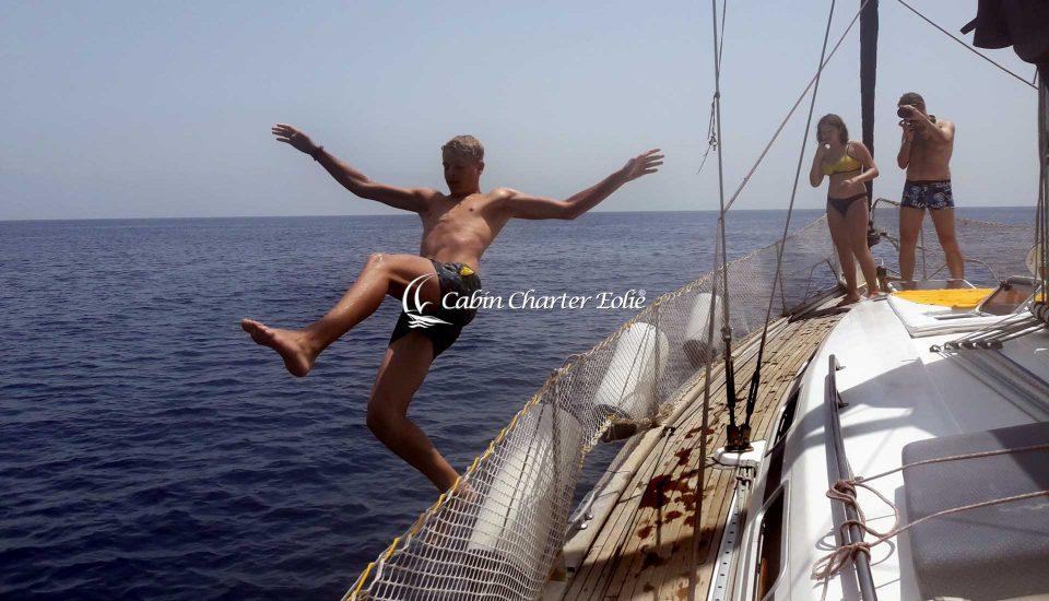 Entusiasmo - Cabin Charter Eolie Imbarco Single Crociera Vacanza Barca a Vela Aeolian Islands Italy Matrimonio Team Building