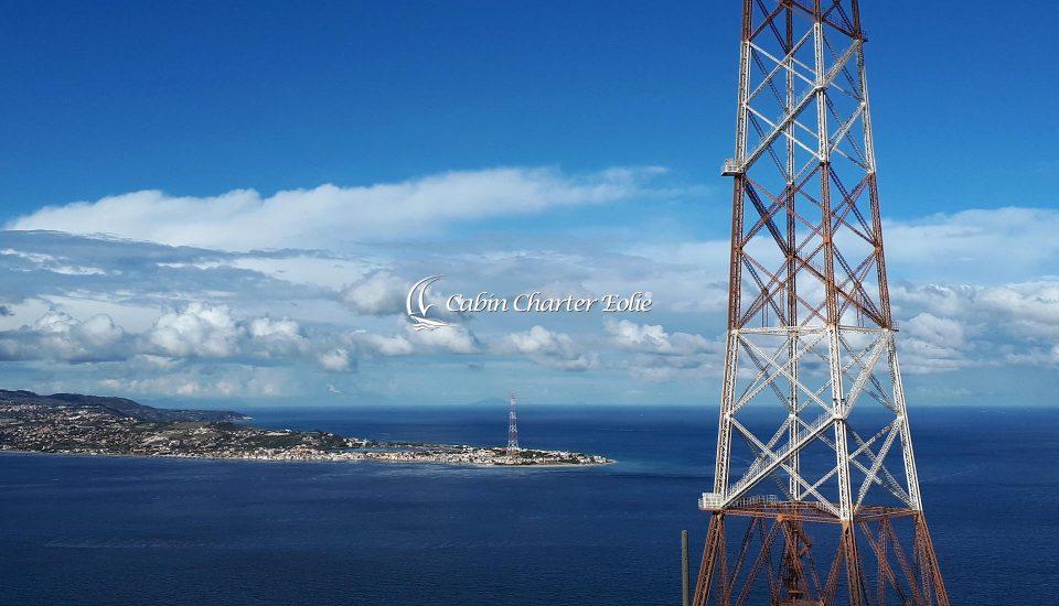 Cabin Charter Eolie - Stretto di Messina - Pilone 1 - Vacanza in Barca a Vela - Viaggio in Barca a Vela - Calabria - Sicilia